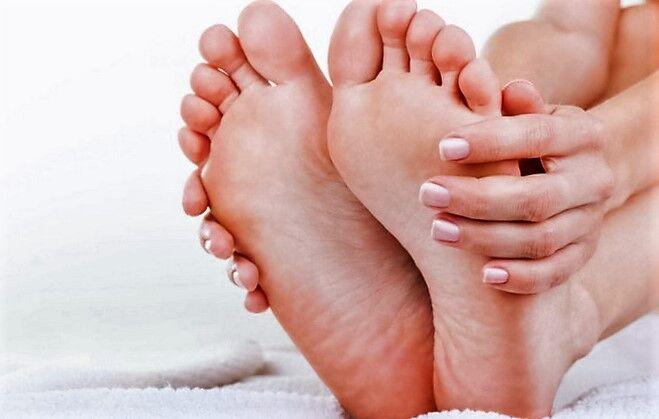 Что делать с потными ногами - лечение гипергидроза
