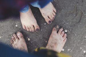 Как избавиться от запаха ног и потливости – советы для женщин